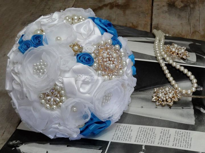 Bouquet turquesa broches