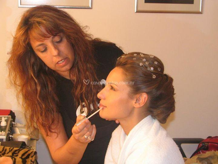 Maquillando a Pampita