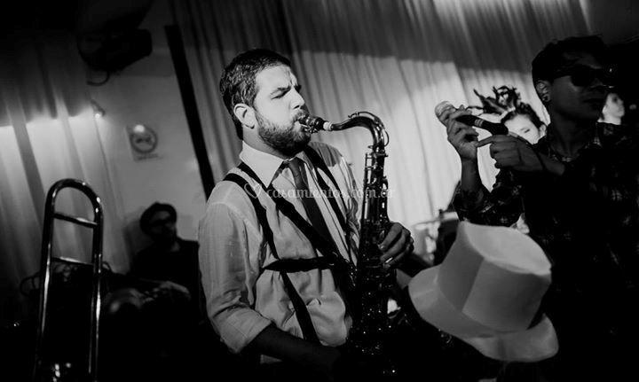 Andrés González Saxofonista
