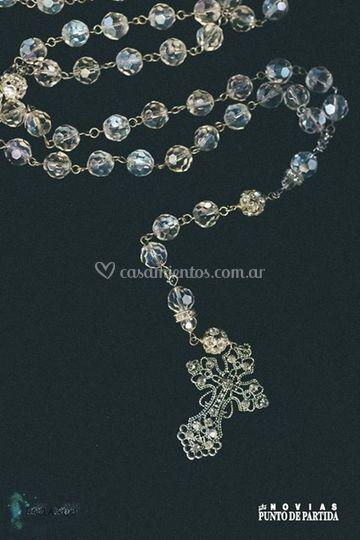 458880cf3399 Rosario de cristales de Karina D Angelo Joyería Contemporánea