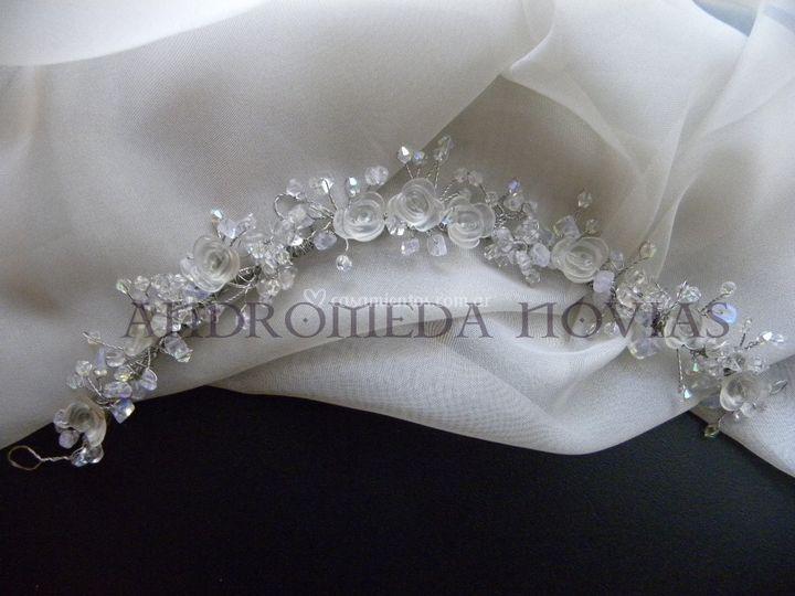 Tiara Ceres versión en blanco