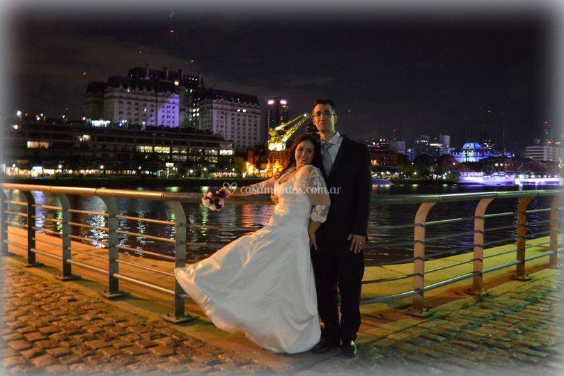 Foto nocturna Puerto Madero