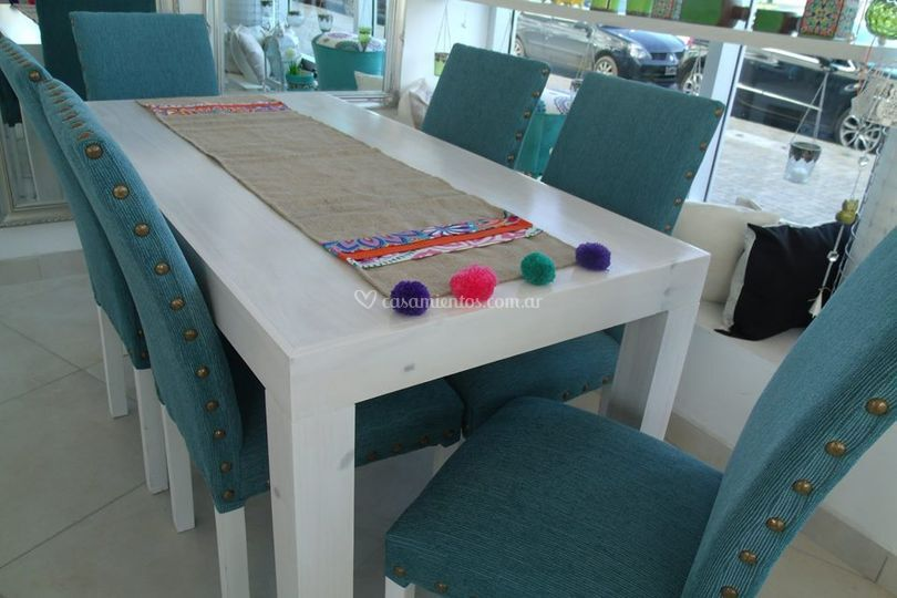 Otro juego de mesa y sillas