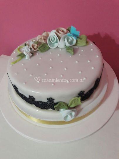 Torta de boda con flores