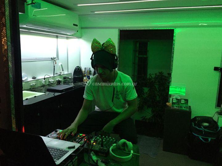 DJ con 3000 wats