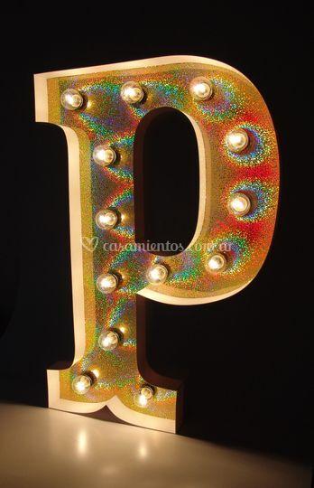 Letras corpóreas f/holográfico