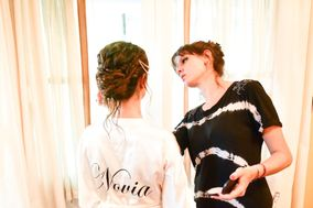 Flor Serrano Makeup & Hair