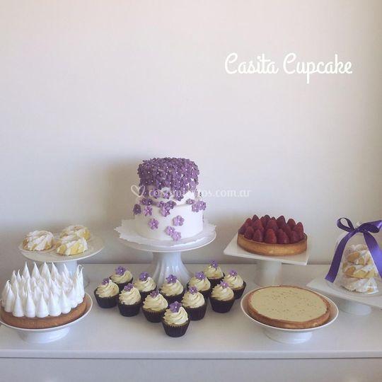Torta y mesa dulce