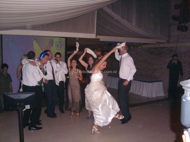 Kantando en su casamiento
