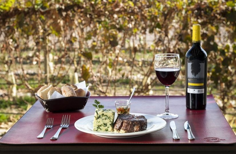 Restaurant con vista al viñedo