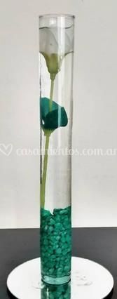 Florero con base de espejo