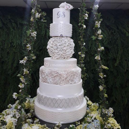 Imponente pastel de bodas