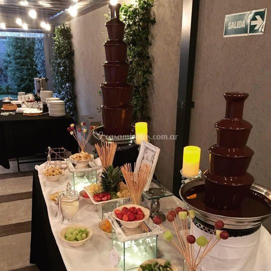 Mesa de cascada de chocolate