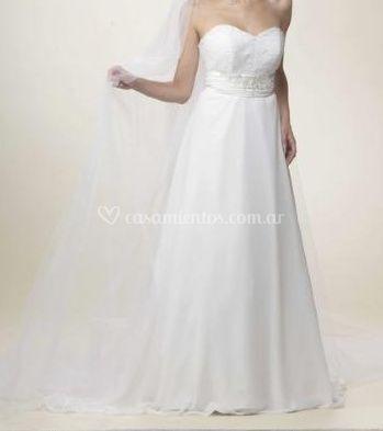 Vestido de novia strapless de Nora Rossi