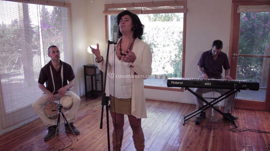 Trio boleros y música latina
