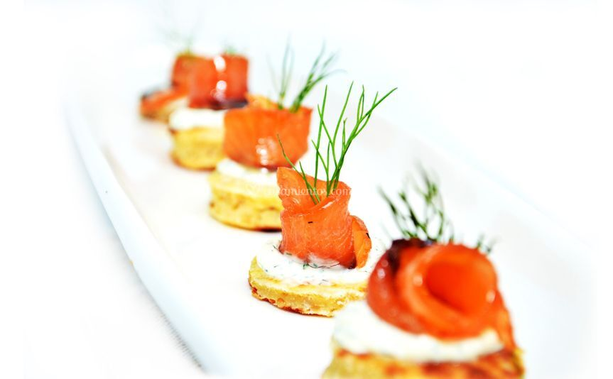 Blini de quinoa y salmón