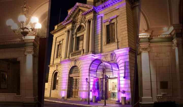 Noches en Mitre