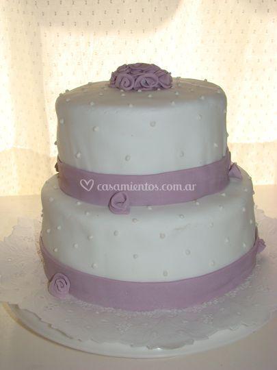 Torta blanca y lila
