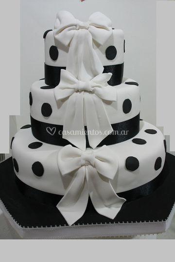 Torta en blanco y negro