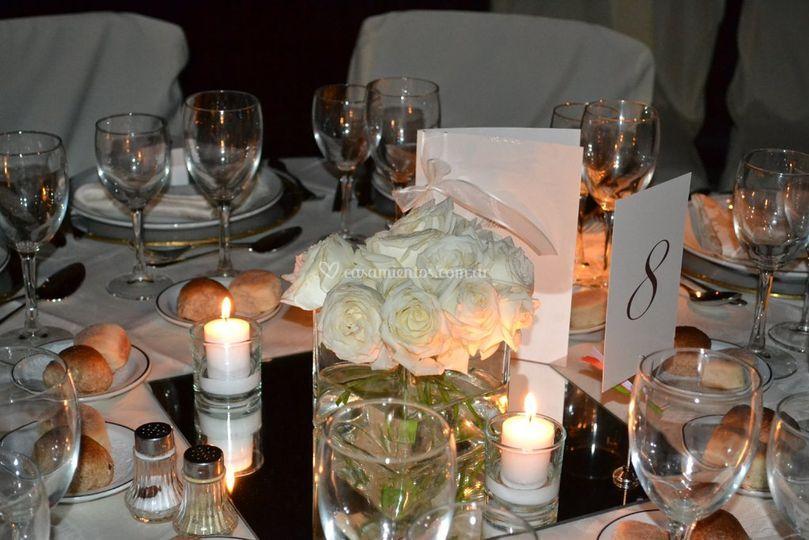 Rosas blancas  y velas