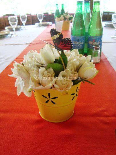 Centro de mesa con jazmines