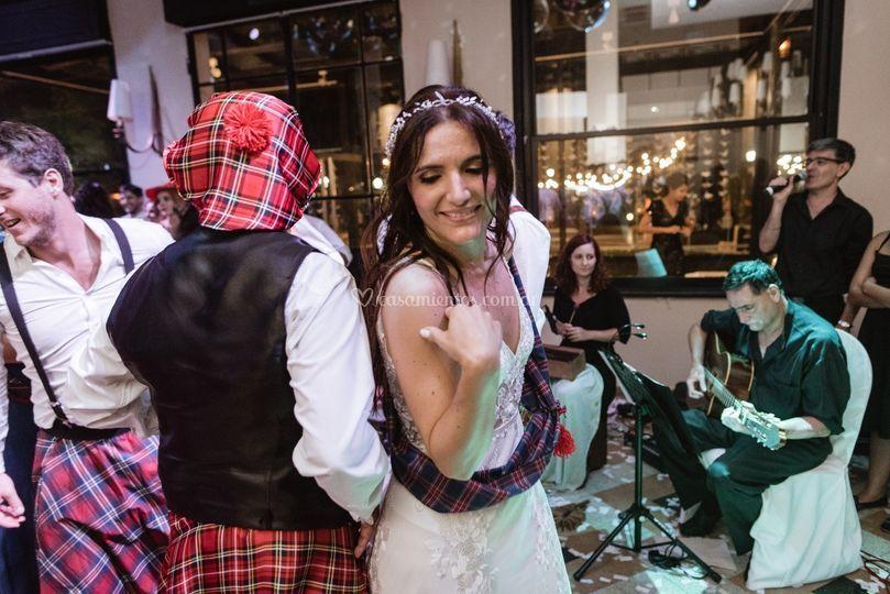 Fiesta con danzas escocesas