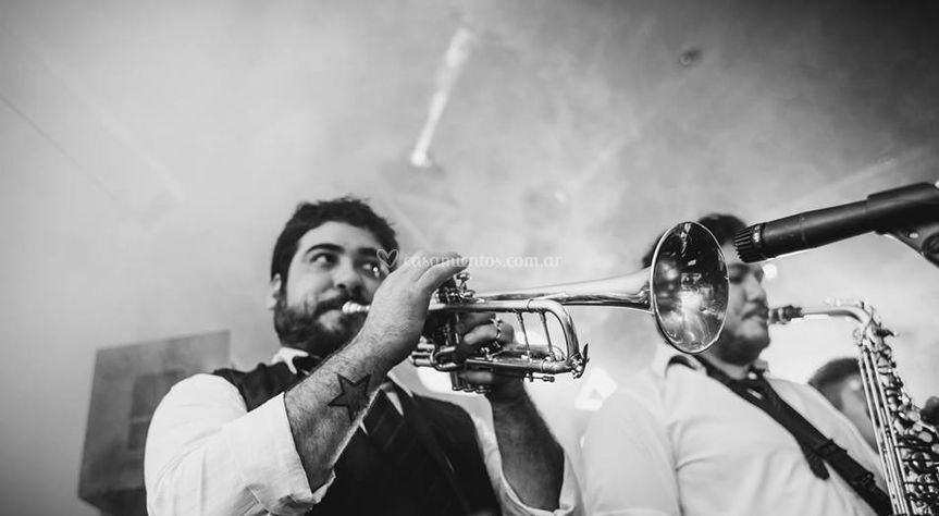 Una sección de trompetas