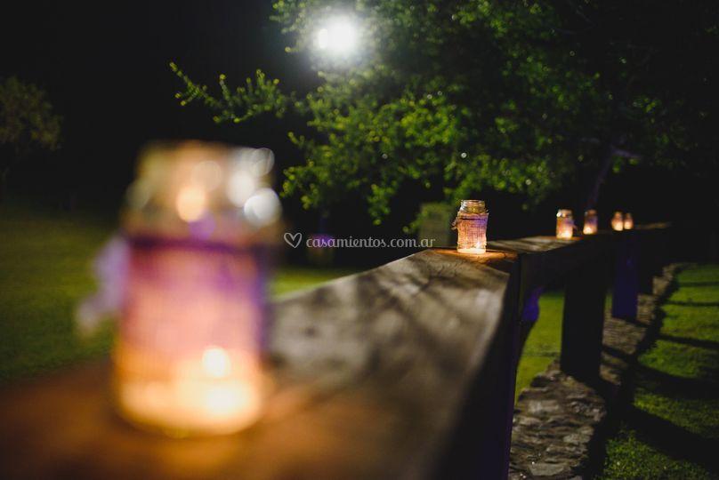 Frascos rústicos con vela