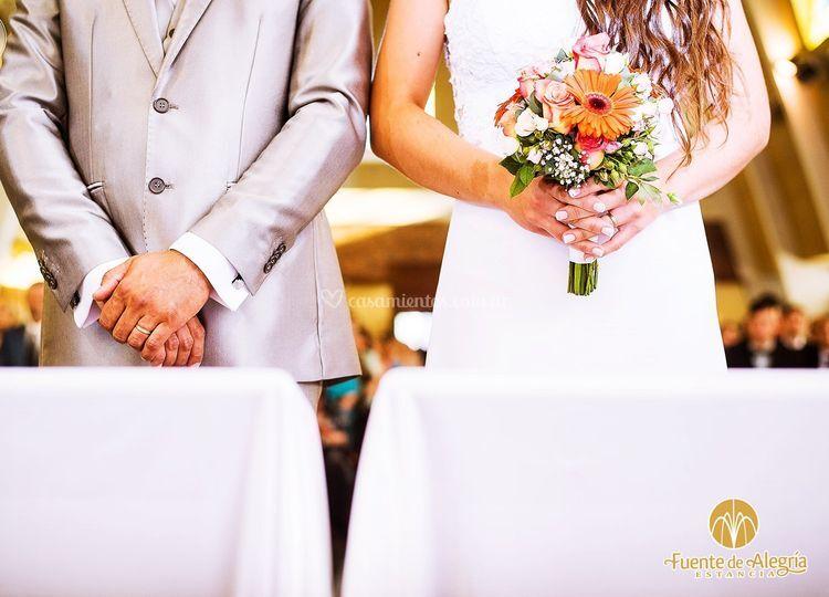 Casate en la capilla