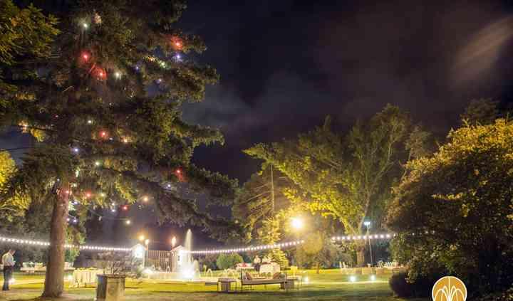 El parque iluminado/ambientado