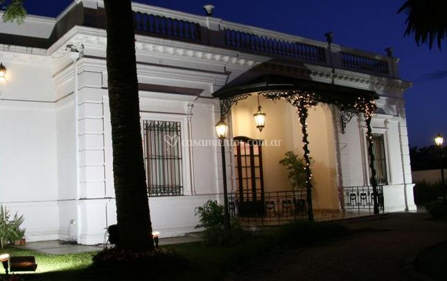 Villa adrogu for Salon villa jardin zumpango