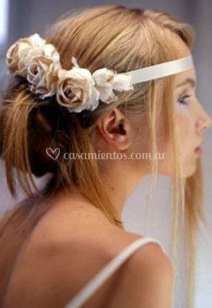 Flores en el peinado recogido