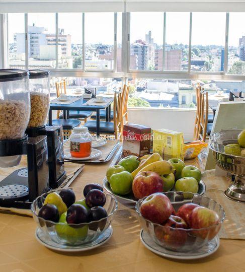Desayuno buffet americano