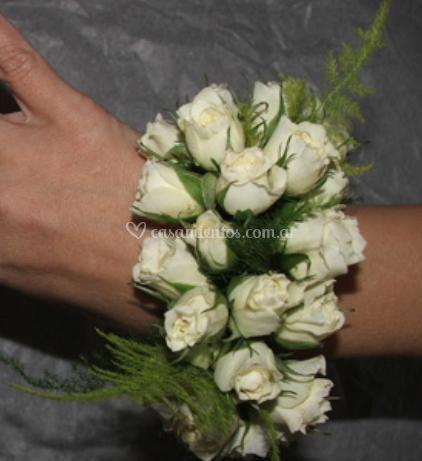 Pulseras de flores