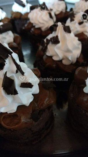 Mini brownie con ddl merengue