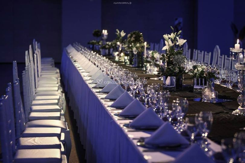 Imponente mesa