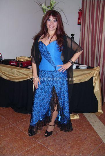 Pollera y corset azul
