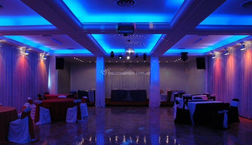 Espectacular iluminación del salón