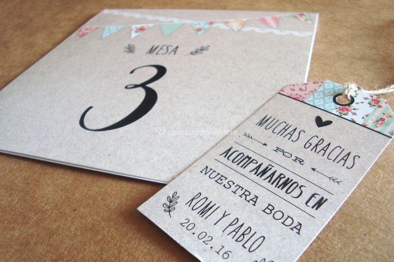 N de mesa y tarjeta de agradecimieno