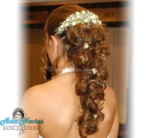 Peinado con flores pequeñas