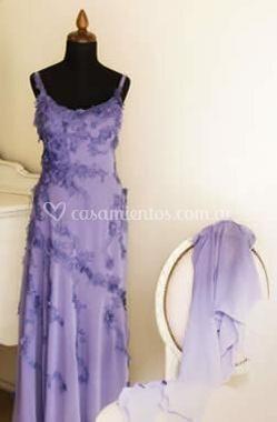 Vestido drapeado en tonos violeta