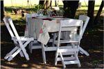 Mesas en el parque