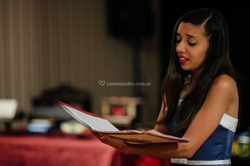 Noelia Consonni Cantante Lírica