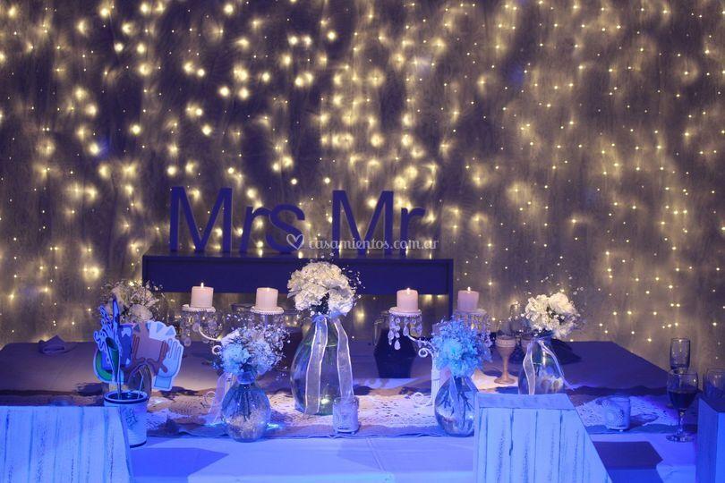 Fondo mesa principal con luces led