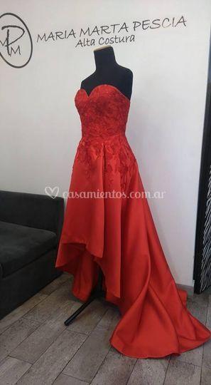 Vestido Rojo con cola