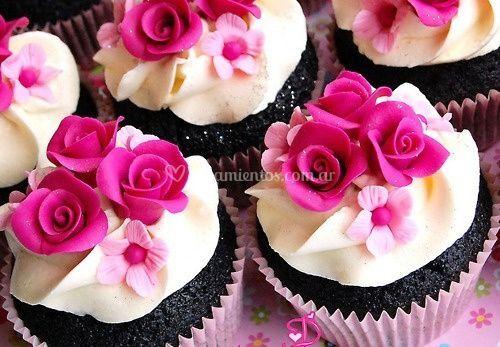 Cup cakes de chocolate oscuro