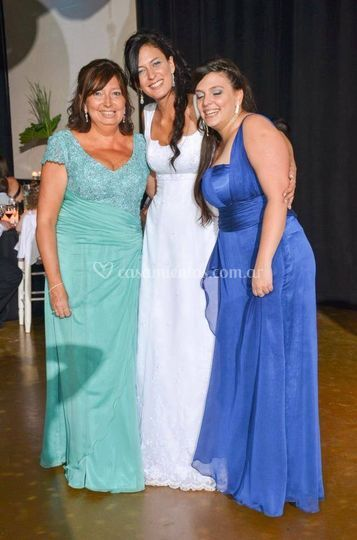 Madrina y hermana de novia
