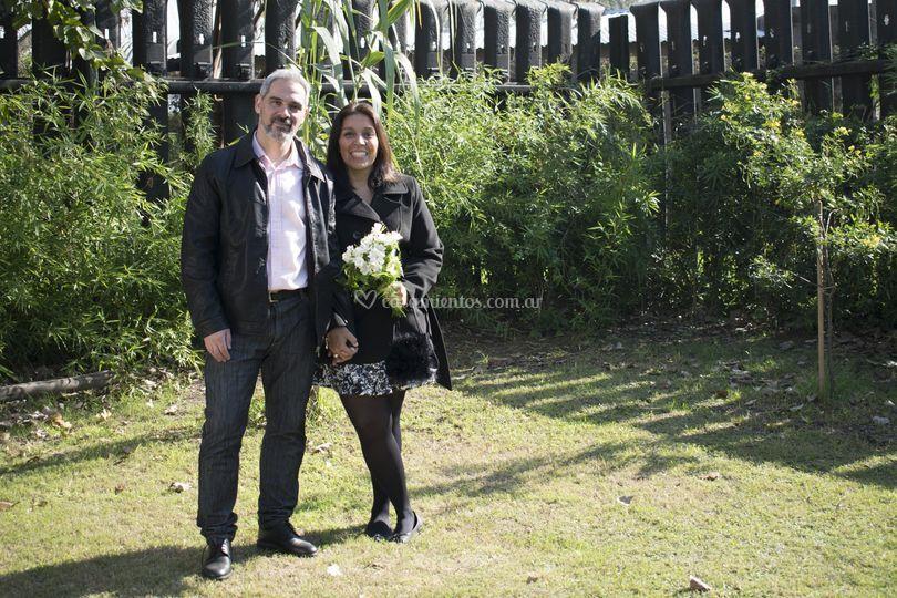 Una foto de recién casados