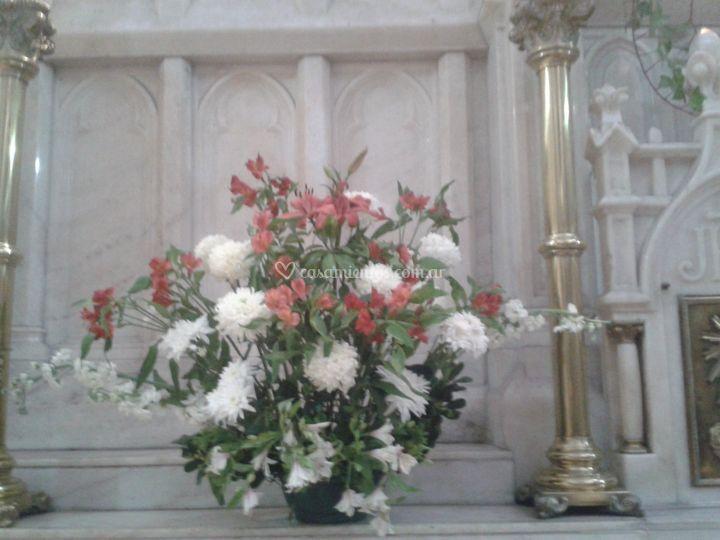 Arreglo floral de iglesia