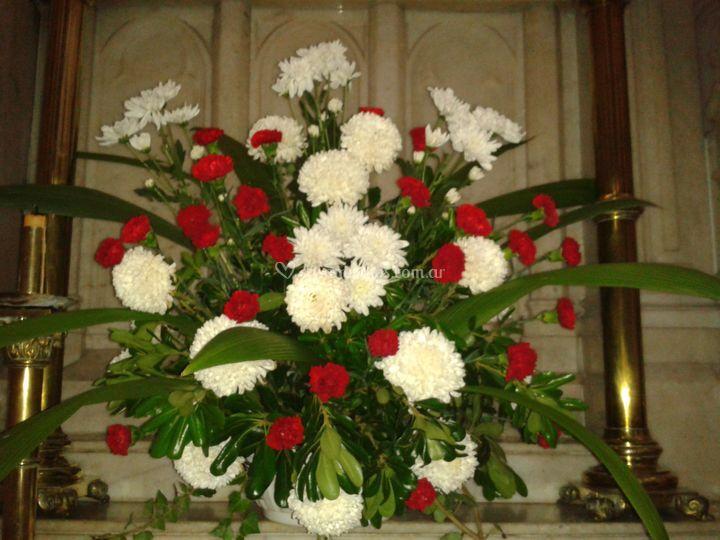Arreglos Florales En Iglesias De Andrea K Foto 38